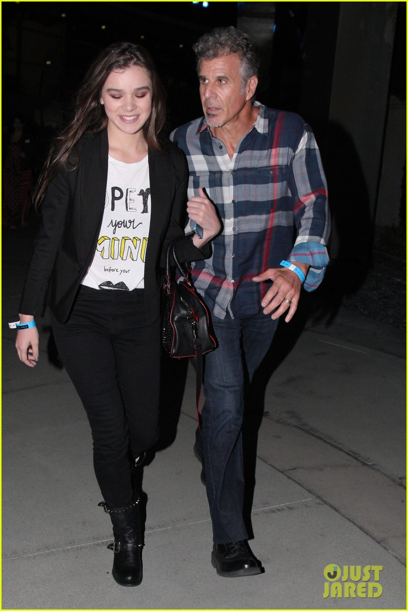 hailee steinfeld bruno mars has my heard 052921576