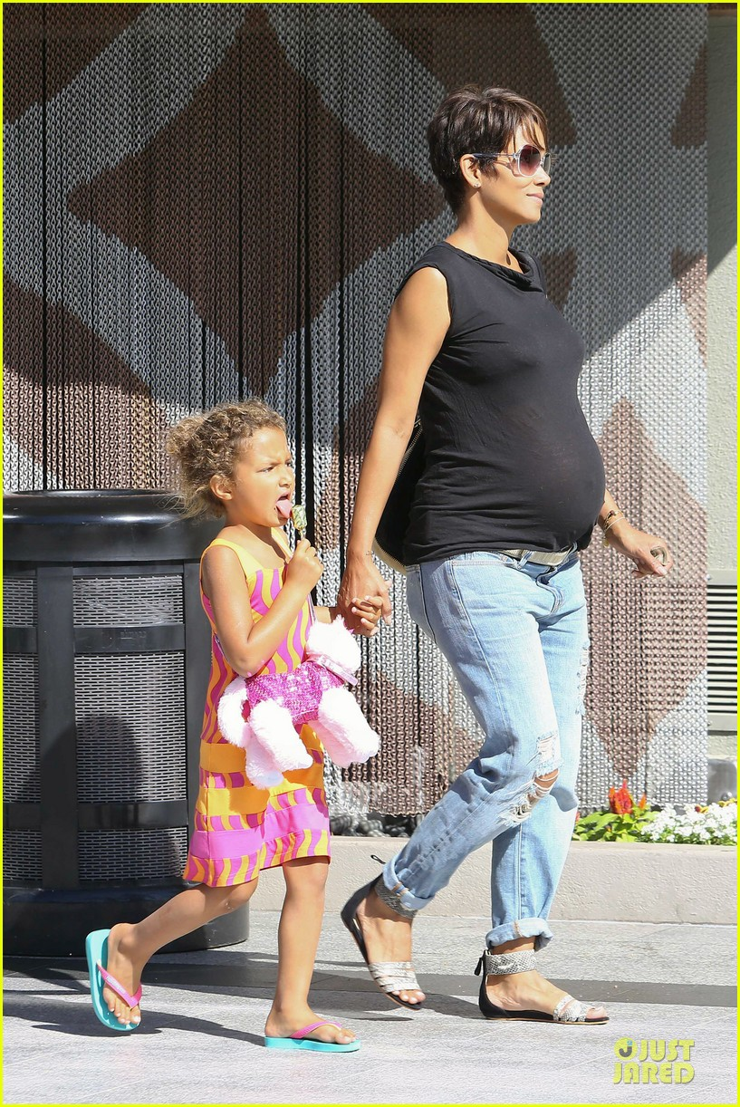 halle berry pregnancy colored involvement on x men 022924483