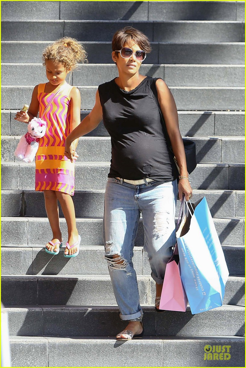 halle berry pregnancy colored involvement on x men 112924492