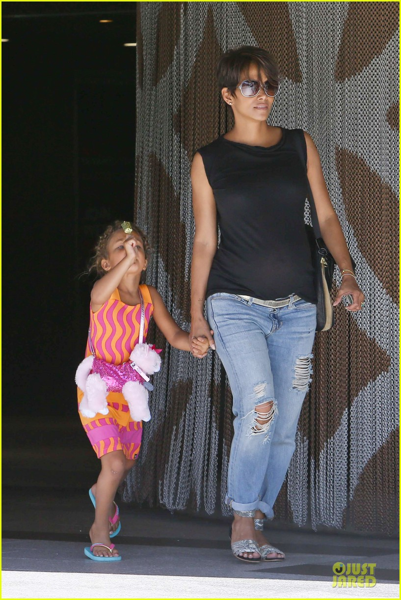 halle berry pregnancy colored involvement on x men 272924508