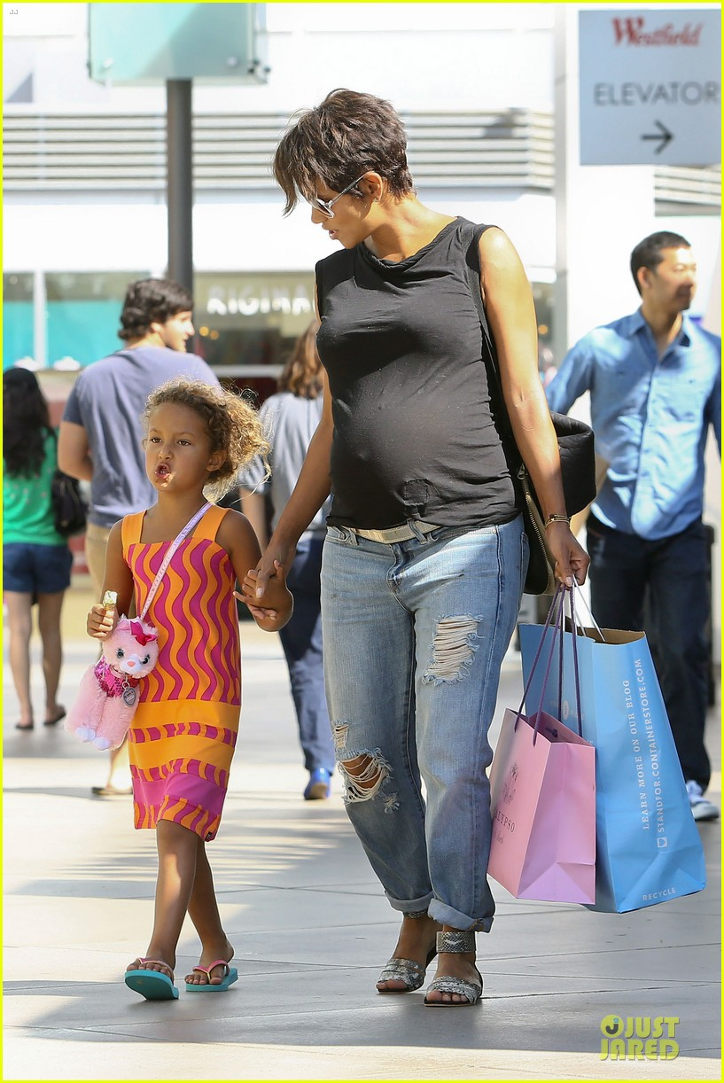 halle berry pregnancy colored involvement on x men 282924509