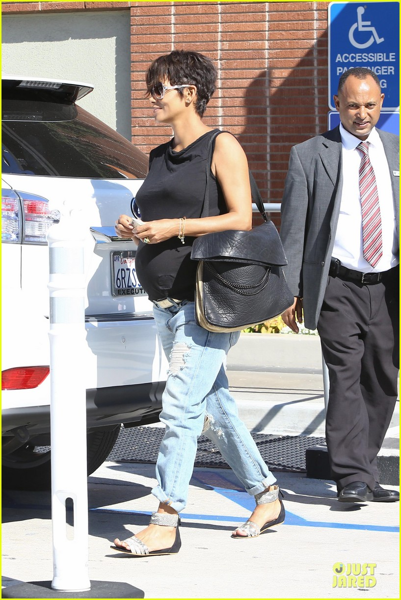 halle berry pregnancy colored involvement on x men 352924516