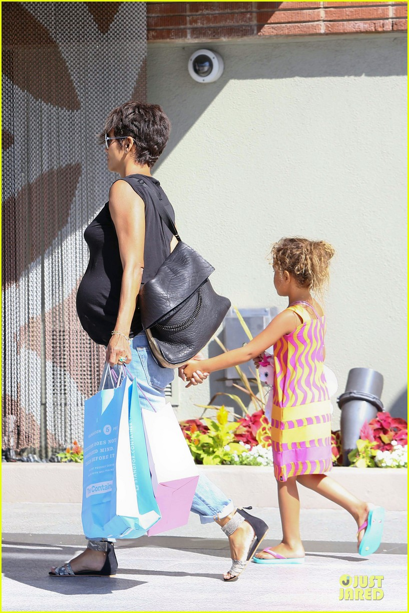 halle berry pregnancy colored involvement on x men 362924517