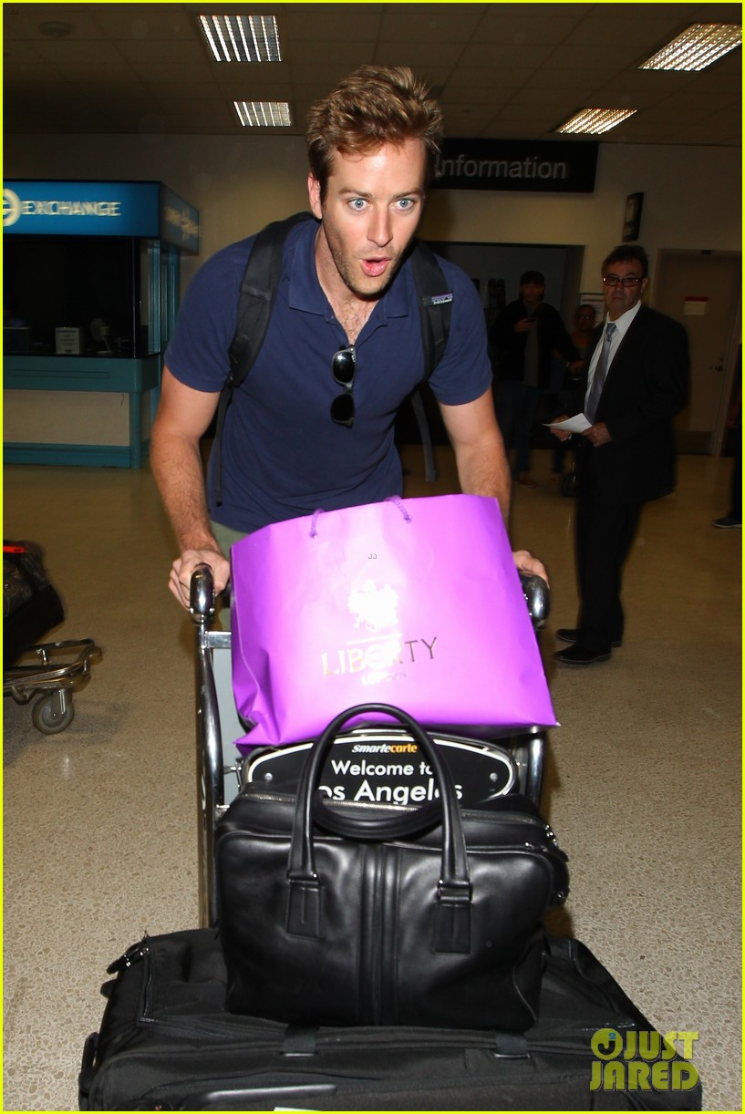 armie hammer elizabeth chambers post b day lax arrival 032940542