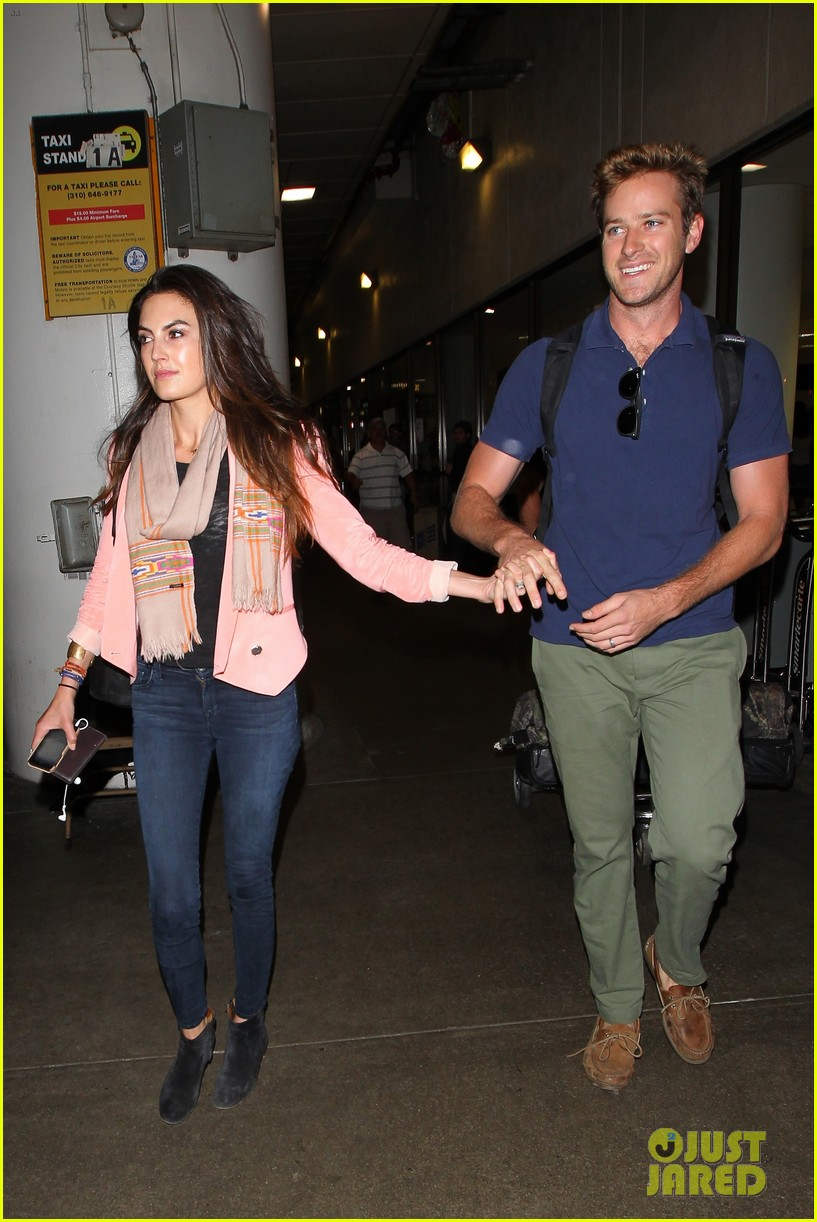armie hammer elizabeth chambers post b day lax arrival 052940544