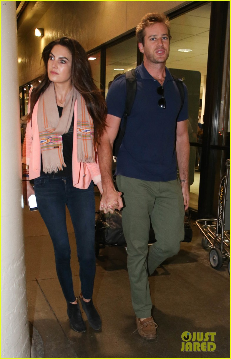armie hammer elizabeth chambers post b day lax arrival 102940549