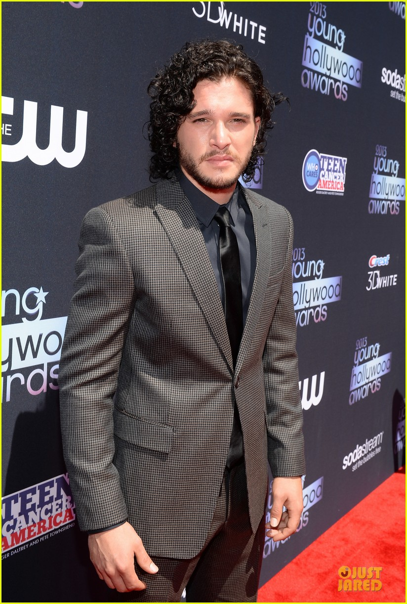 kit harington young hollywood awards 2013 red carpet 082921707