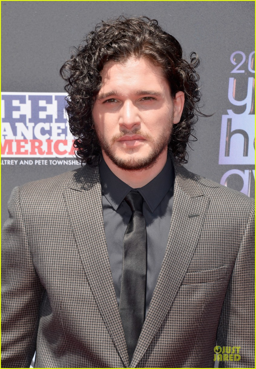 kit harington young hollywood awards 2013 red carpet 112921710