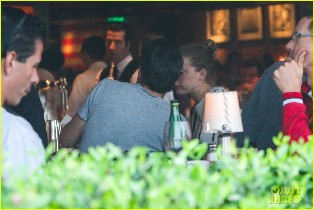 amber heard grabs dinner with talent agent christian carino 032924061