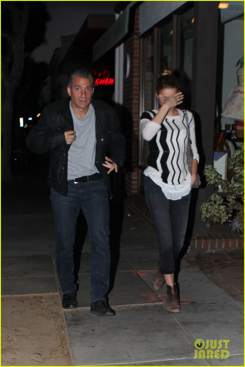 amber heard grabs dinner with talent agent christian carino 152924073