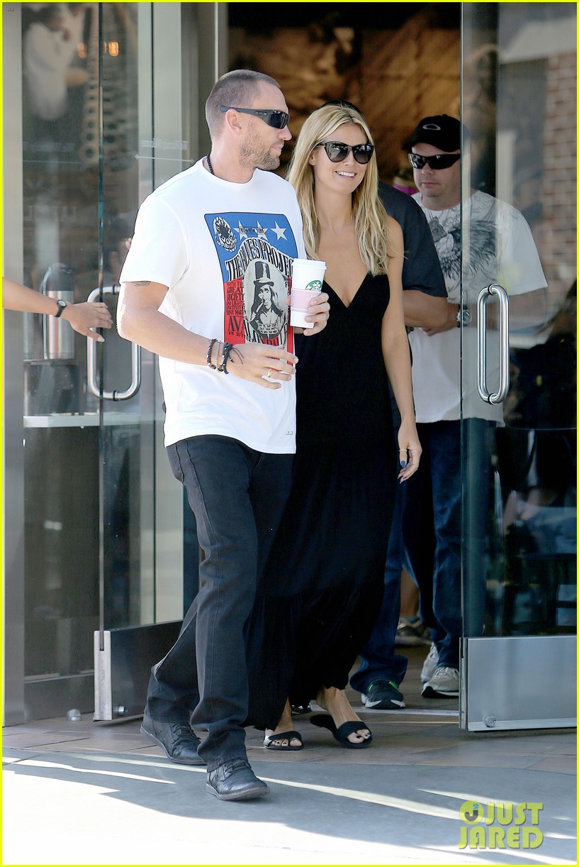 heidi klum happy heart with martin kirsten 14