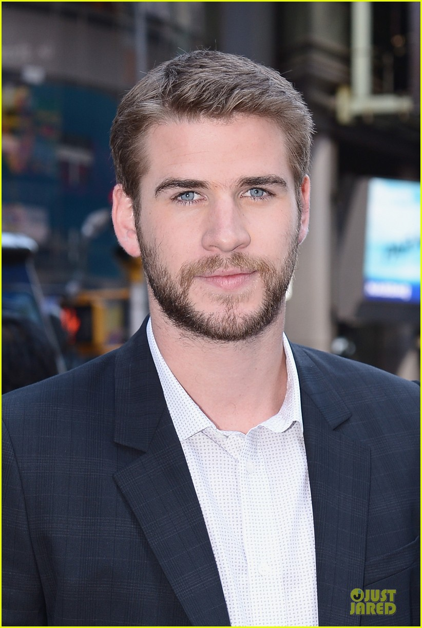 liam hemsworth i was pranked during paranoia love scene 072925007