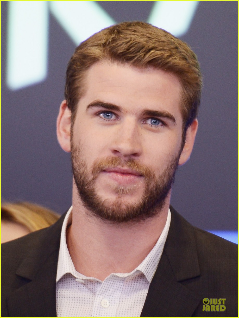 liam hemsworth i was pranked during paranoia love scene 152925015