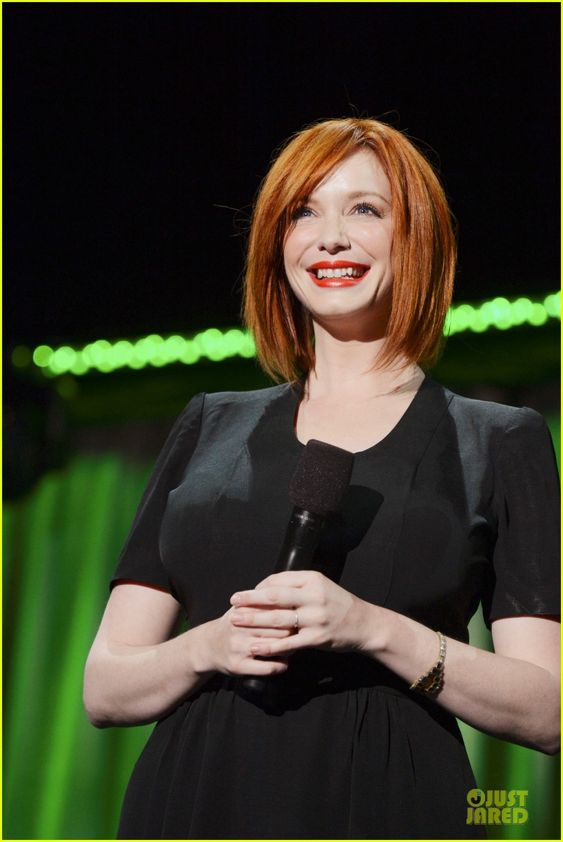 tom hiddletston christina hendricks the pirate fairy at disney d23 expo 092926944