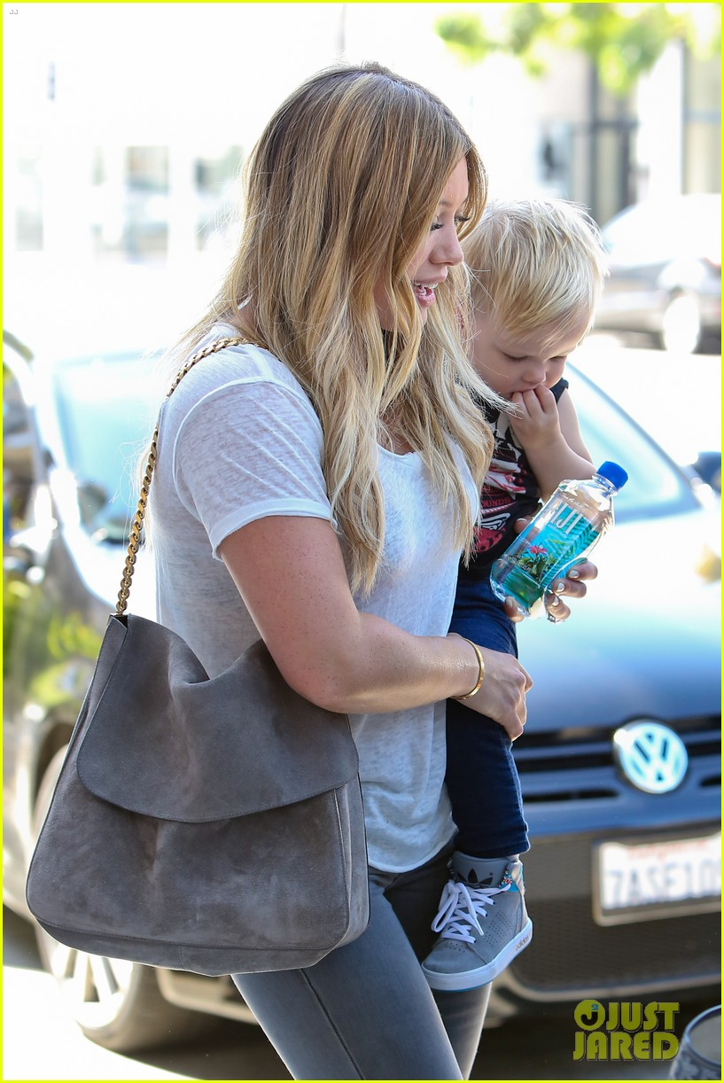 hilary duff mike comrie we definitely want more kids 032932578