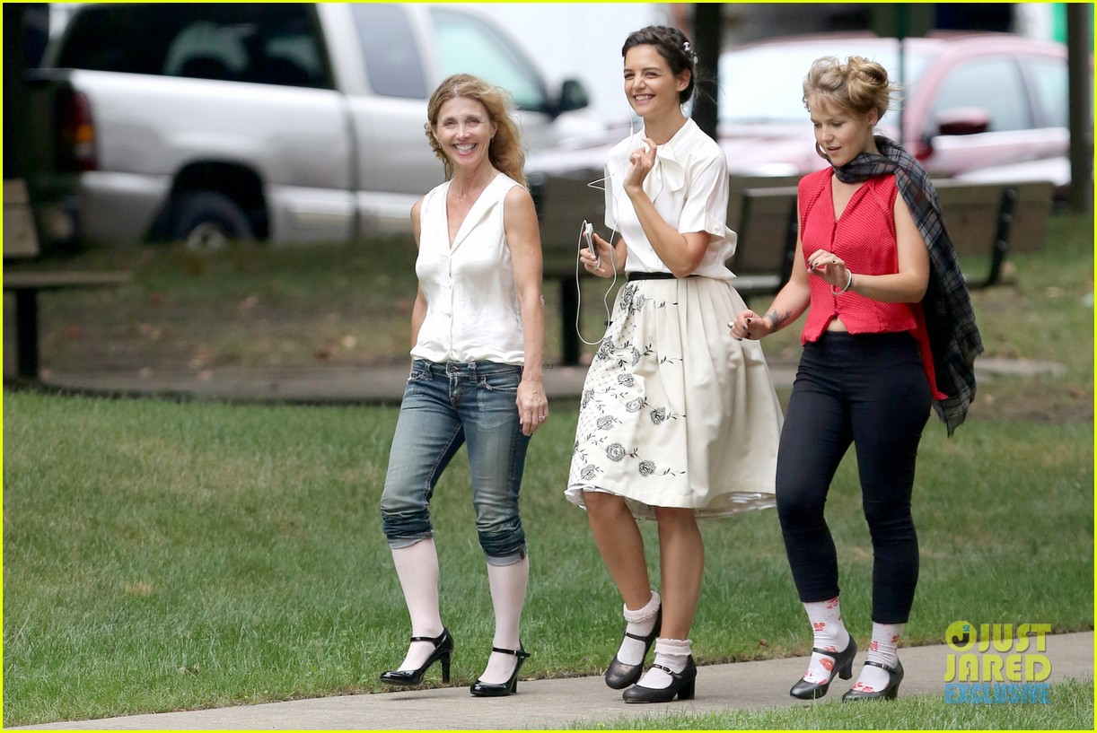 katie holmes dances along to songs on miss meadows set 04