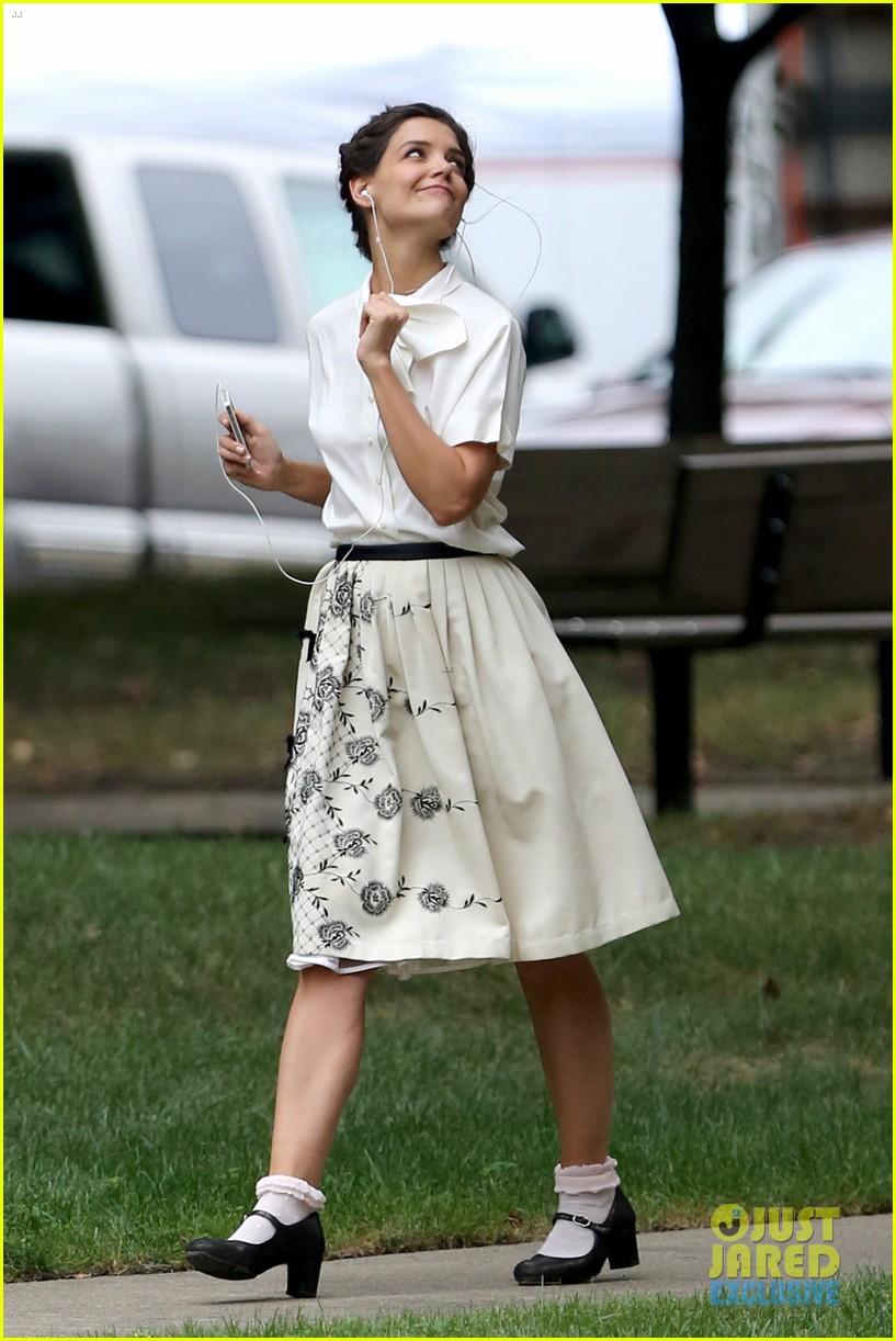 katie holmes dances along to songs on miss meadows set 15