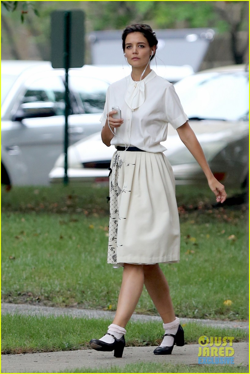katie holmes dances along to songs on miss meadows set 202939814