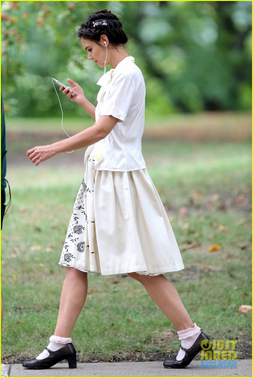 katie holmes dances along to songs on miss meadows set 29