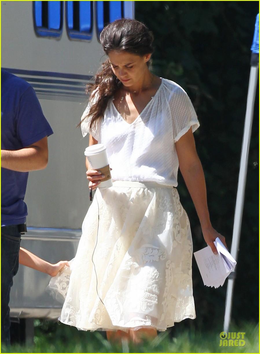 katie holmes white wedding dress on miss meadows set 02