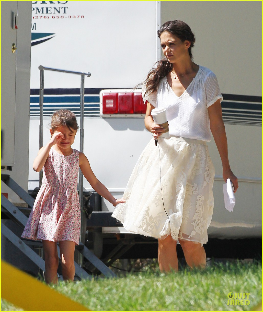 katie holmes white wedding dress on miss meadows set 062936346