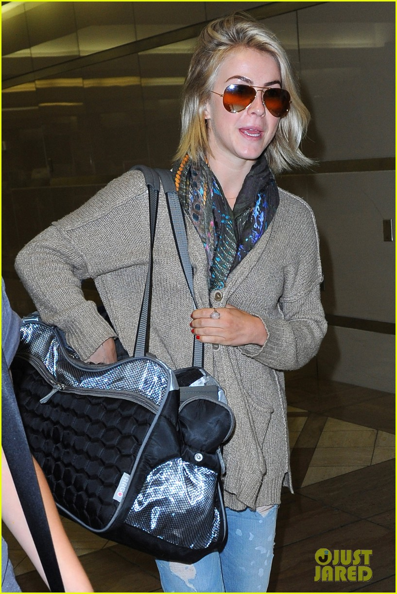 julianne hough flies out of lax after girls night 342936171