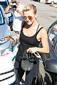 julianne hough flies out of lax after girls night 03