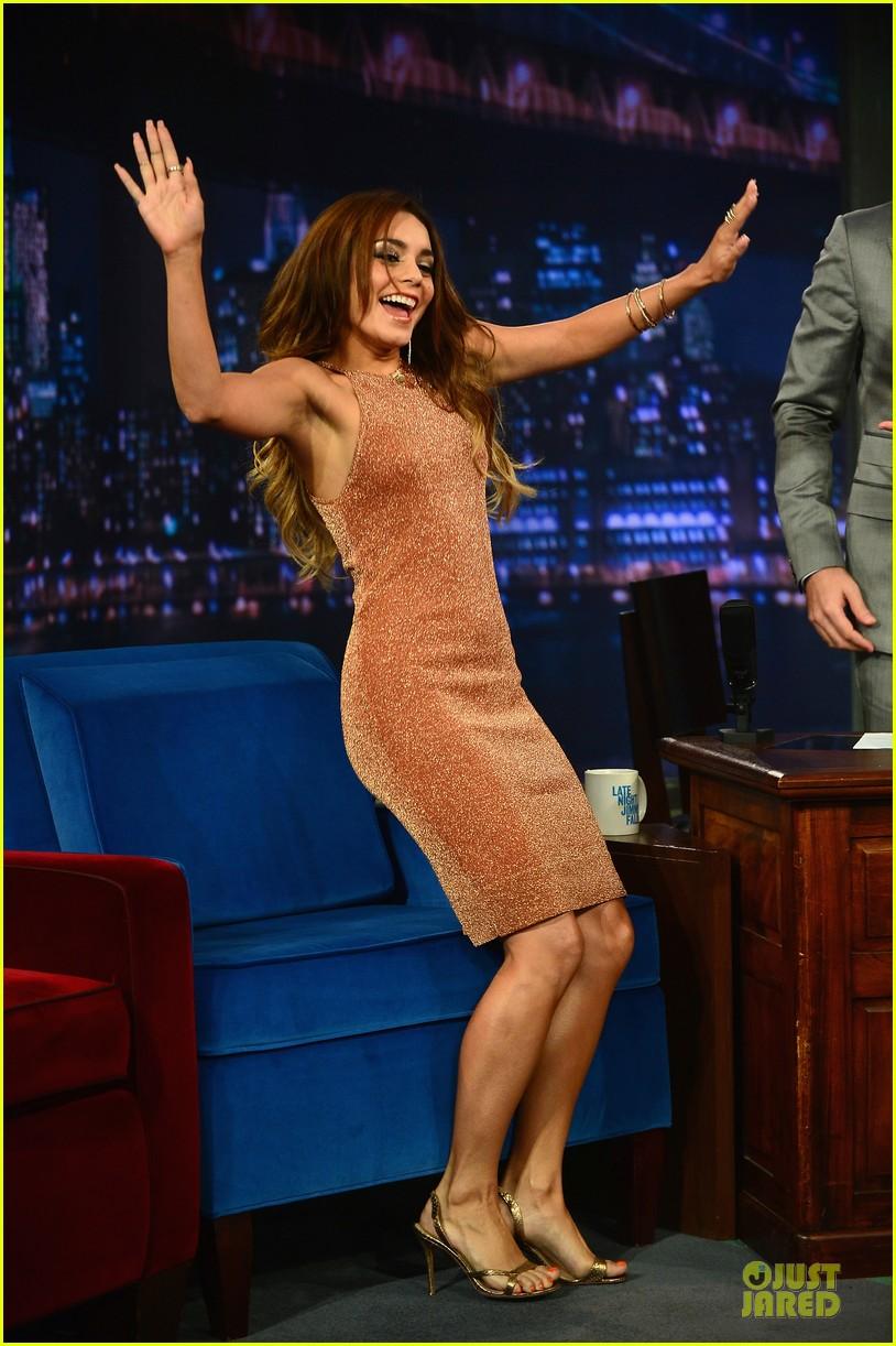 vanessa hudgens dancing queen on fallon 012926889