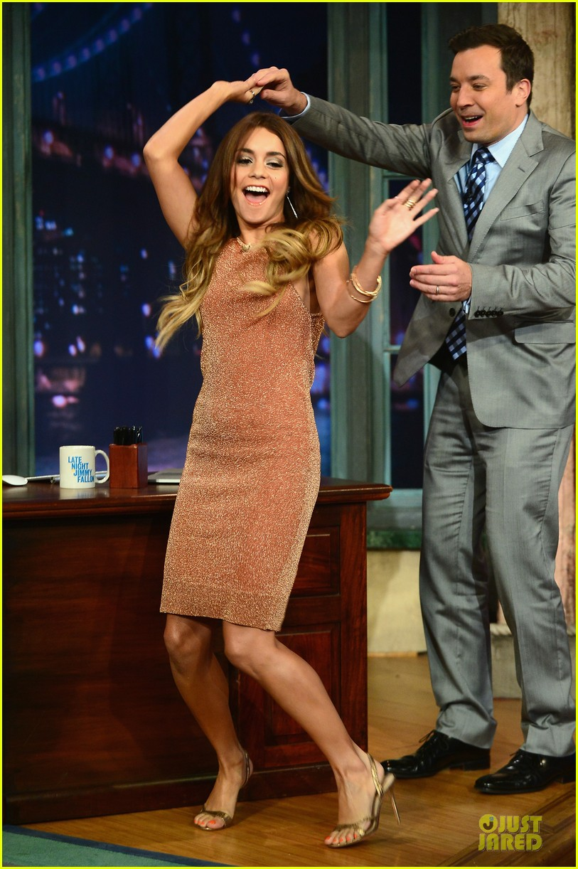 vanessa hudgens dancing queen on fallon 032926891