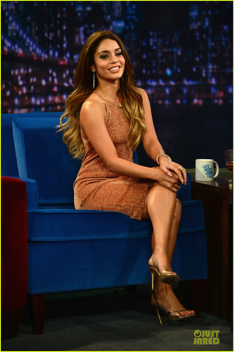 vanessa hudgens dancing queen on fallon 092926897