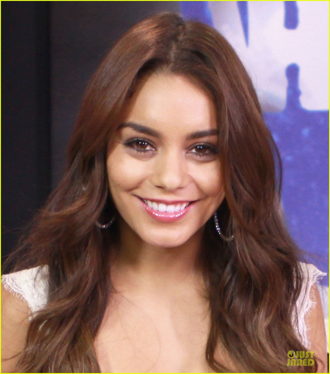 vanessa hudgens early talks for kitchen sink 022921227