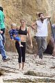 kate hudson flashes abs while filming pilates workout video 01