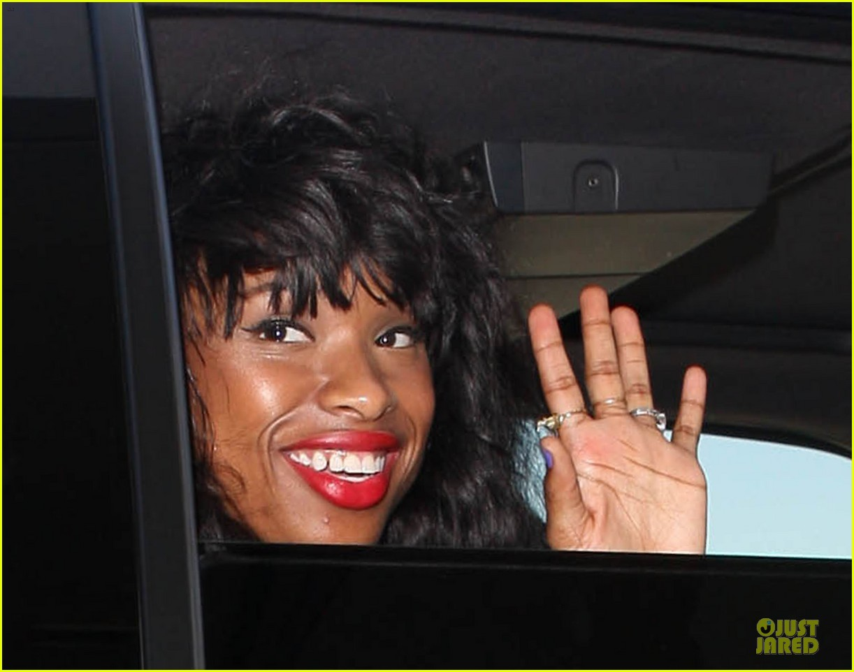 jennifer hudson promotes education with school supplies 022936790