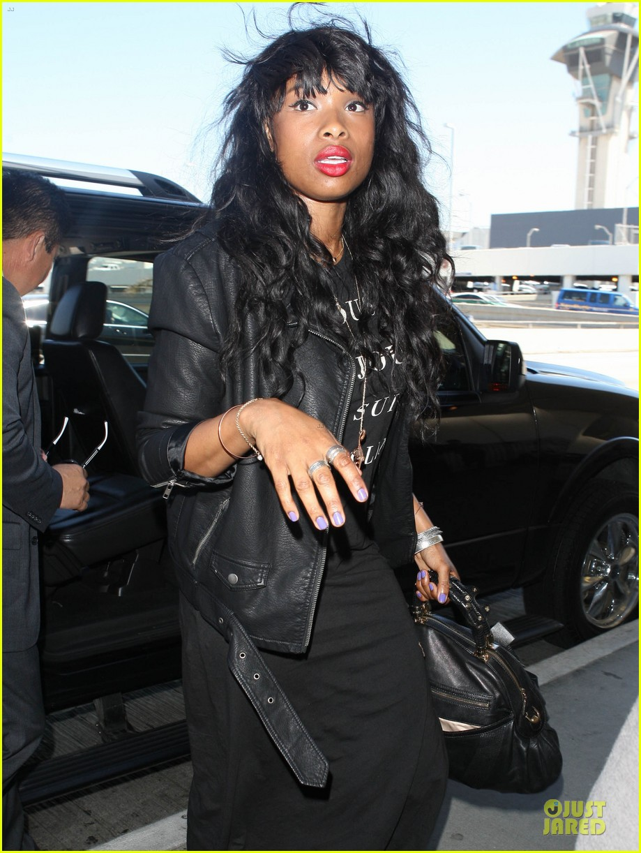 jennifer hudson promotes education with school supplies 042936792