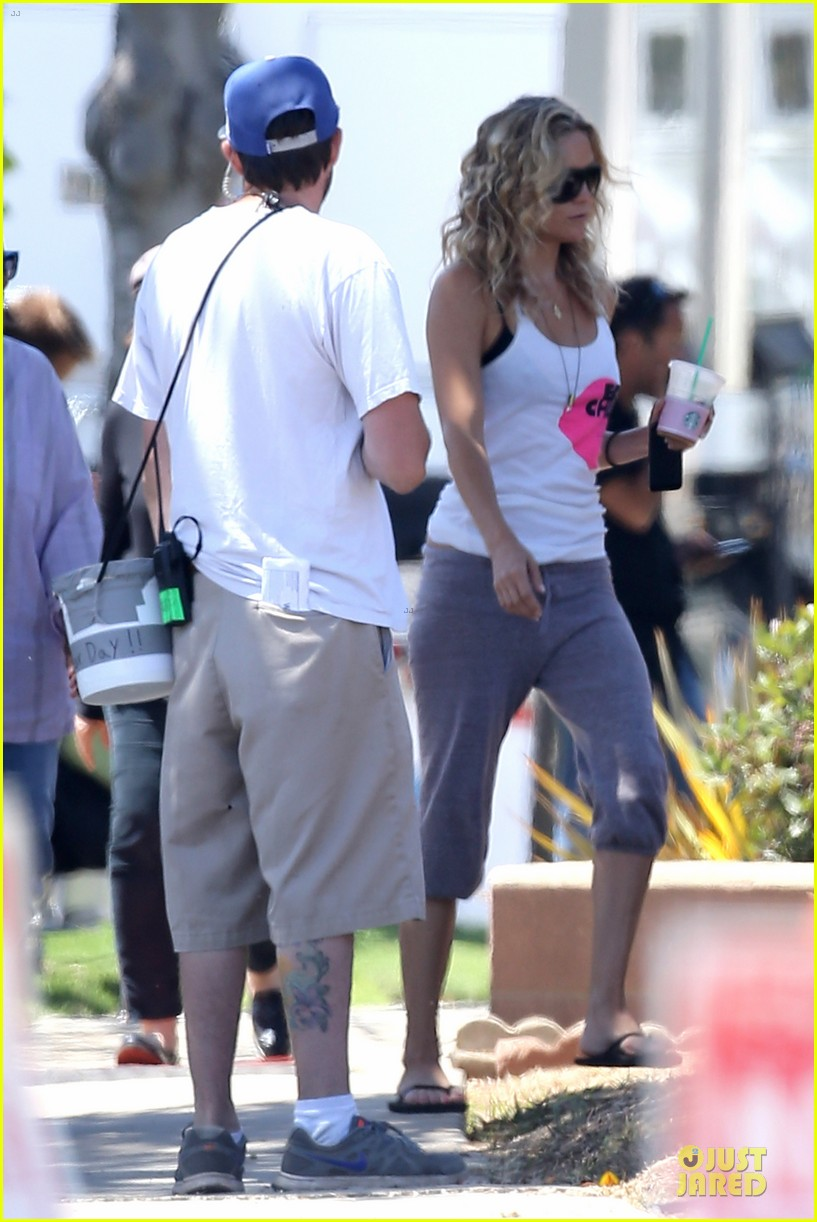 kate hudson wears two outfits on wish i was here set 132931800