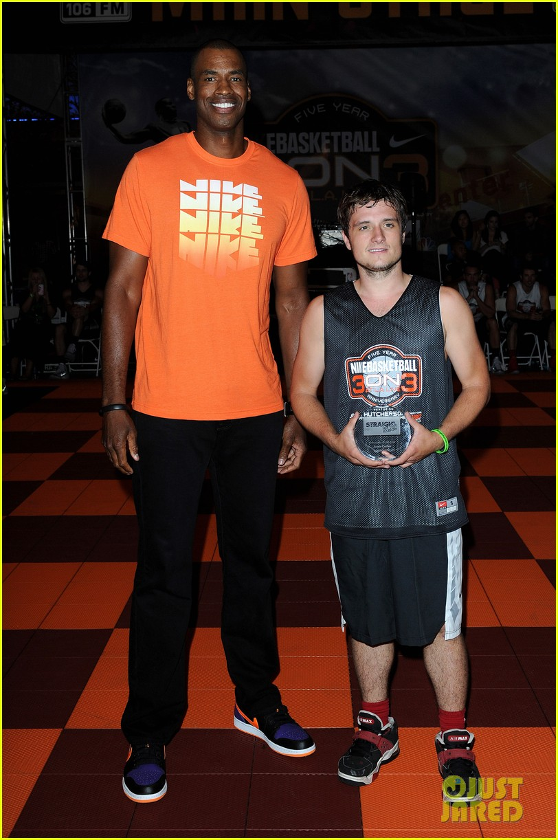 josh hutcherson james lafferty sbnn basketball game 01