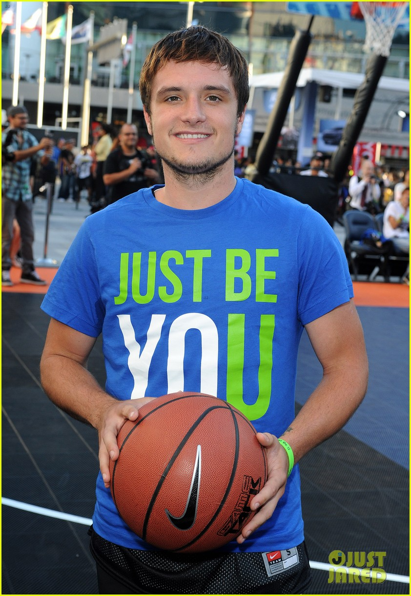 josh hutcherson james lafferty sbnn basketball game 09