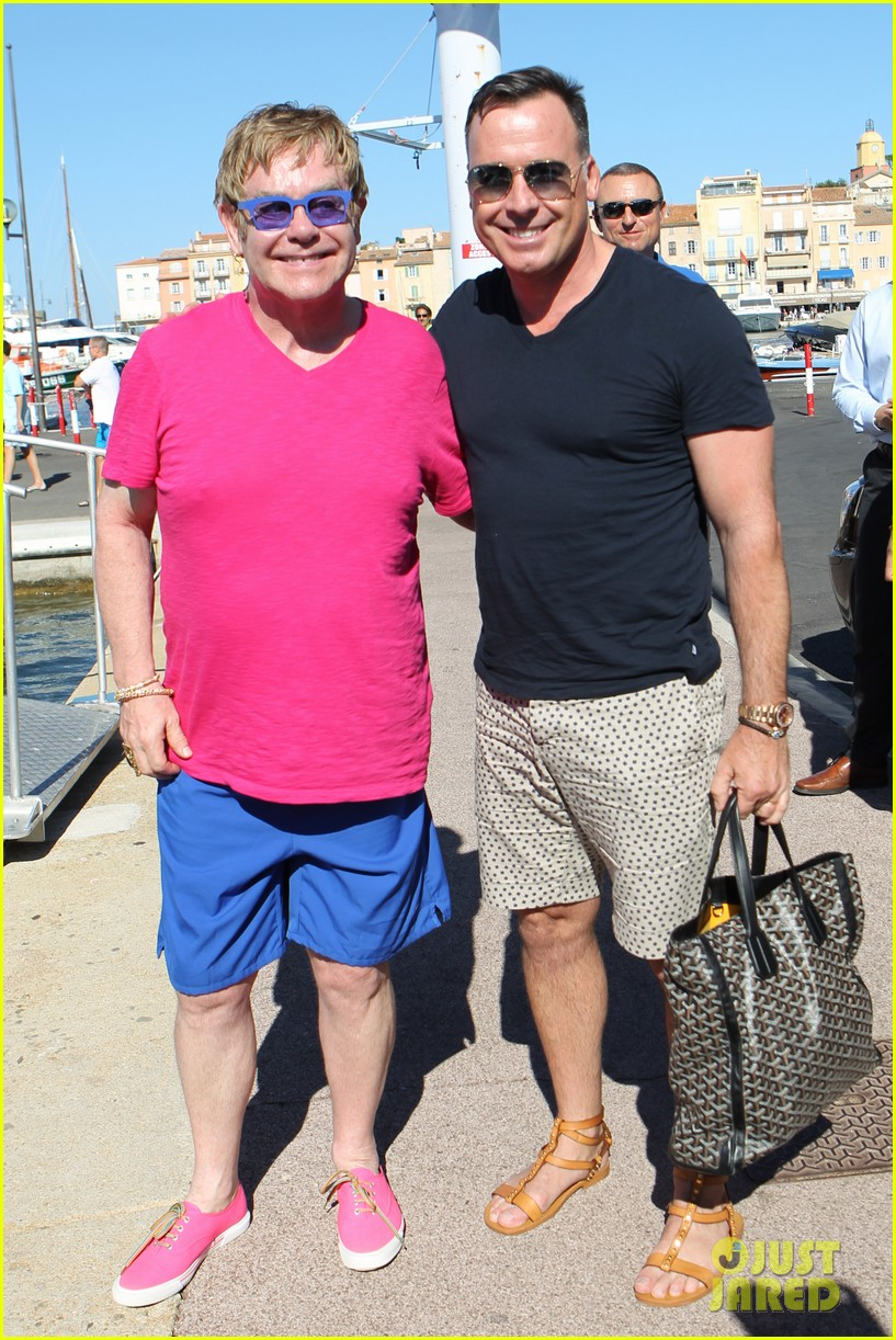 elton john vacations after appendicitis recovery 012929247