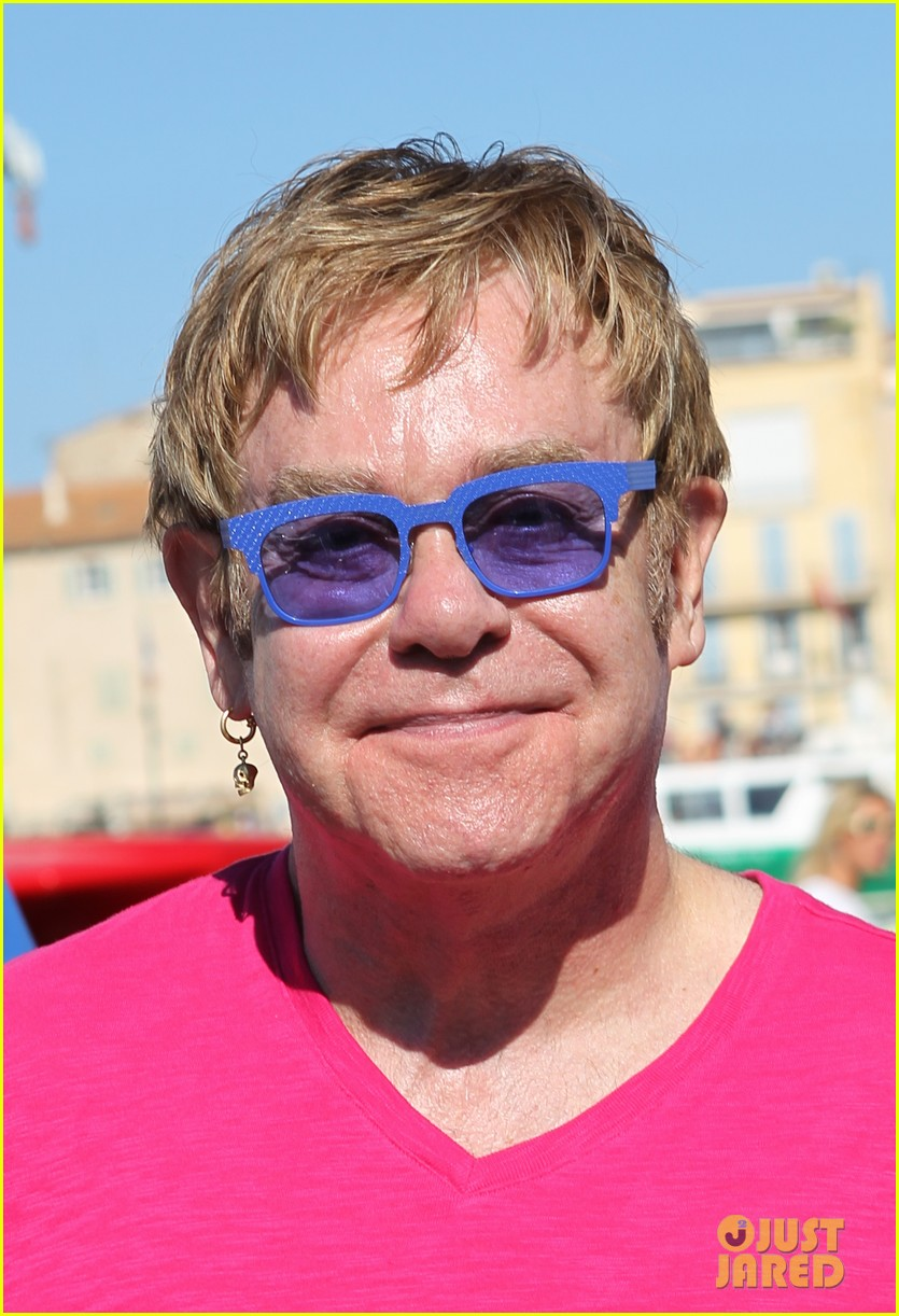 elton john vacations after appendicitis recovery 022929248