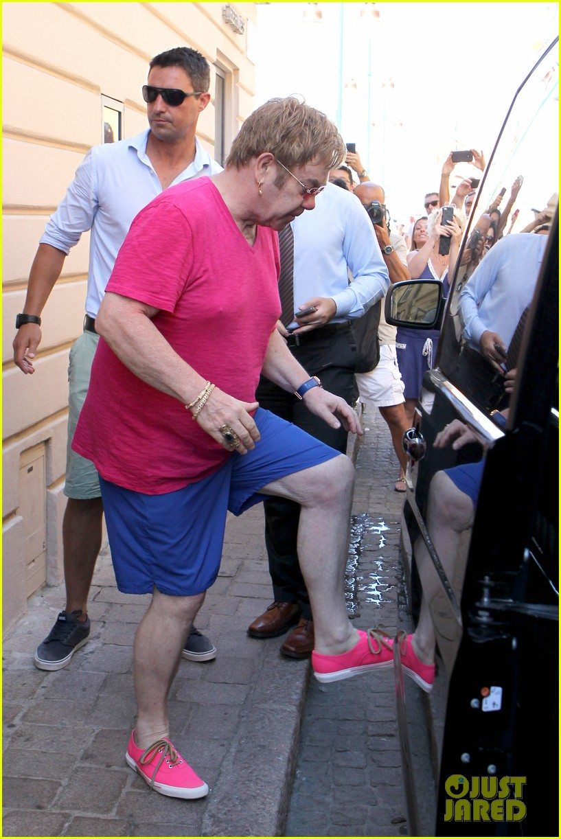 elton john vacations after appendicitis recovery 052929251