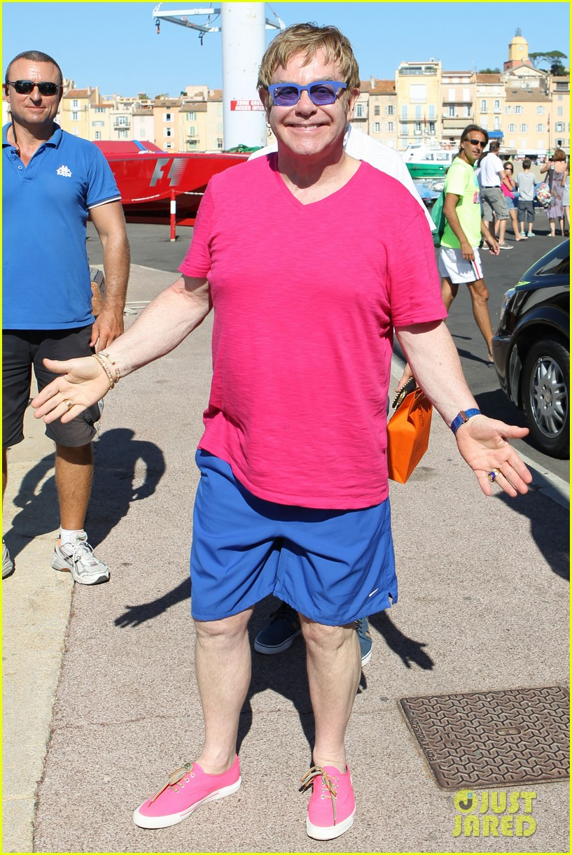 elton john vacations after appendicitis recovery 082929254