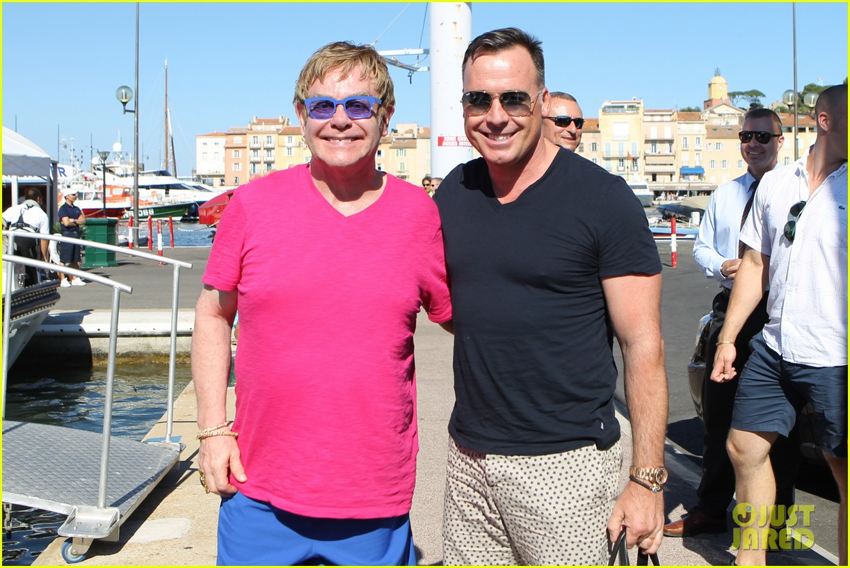 elton john vacations after appendicitis recovery 132929259