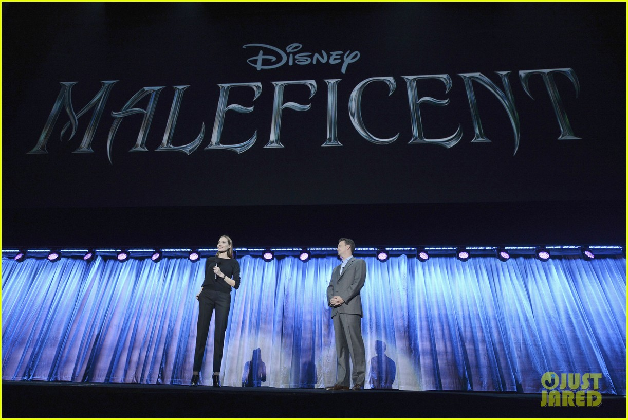angelina jolie maleficent panel at disney 23 expo 04