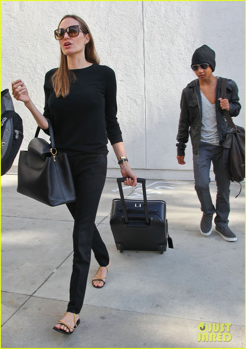 angelina jolie lands in los angeles with maddox 052931031