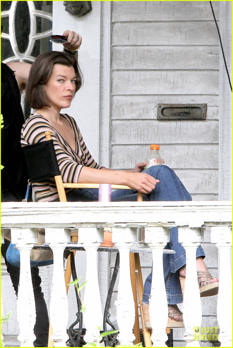 milla jovovich sports bra revealing sheer top 092938501