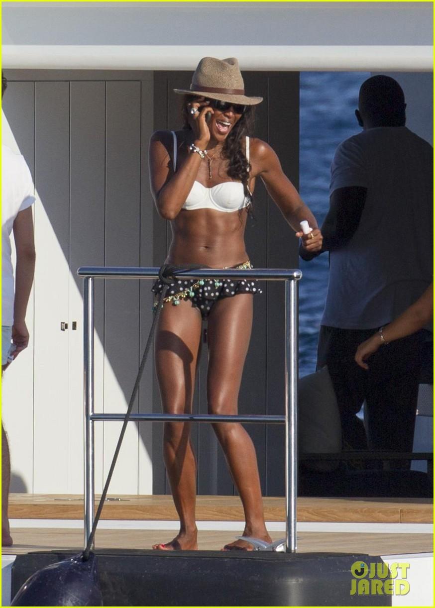 stacy keibler naomi campbell bikini babes in ibiza 072931349