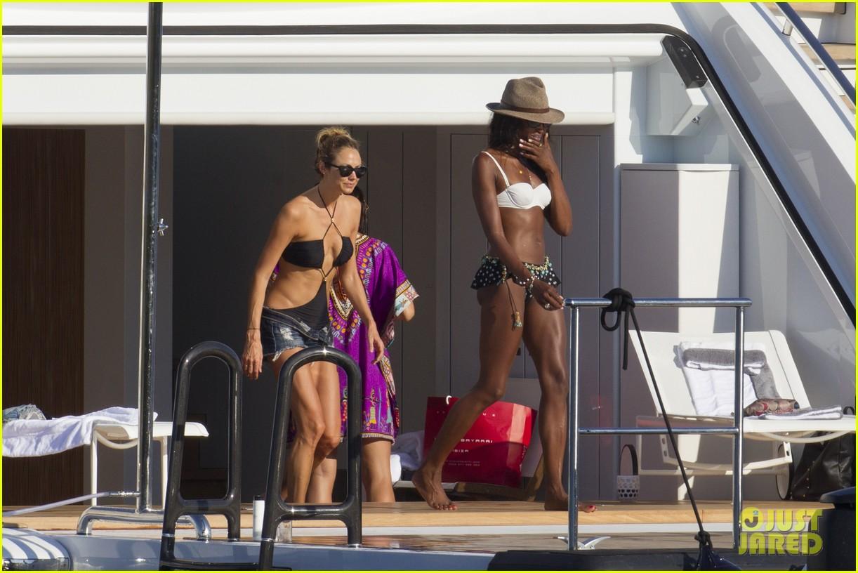 stacy keibler naomi campbell bikini babes in ibiza 122931354