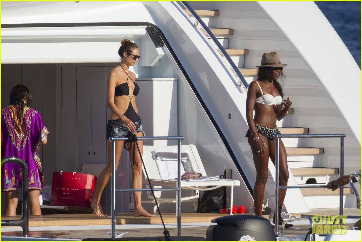 stacy keibler naomi campbell bikini babes in ibiza 15
