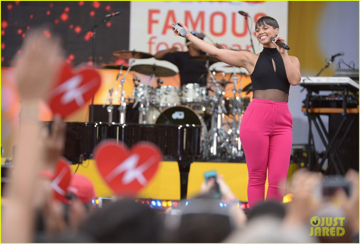alicia keys performs for good morning americas concert series 152940692
