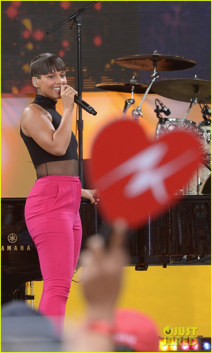 alicia keys performs for good morning americas concert series 242940701